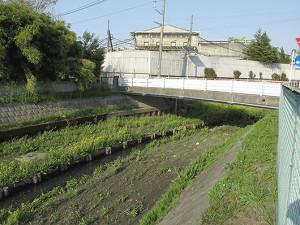 上尾市の鎌倉街道の鎌倉橋-横から見る