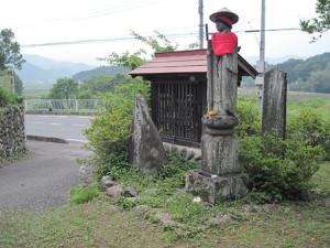 大谷の念仏供養塔と馬頭明王塔